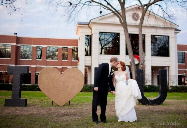 i love u bride and groom